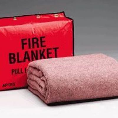 Cách sử dụng chăn chữa cháy hiệu quả thumbnail