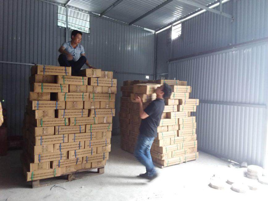BAT- Nhập kho 6 tấn bình chữa cháy thumbnail
