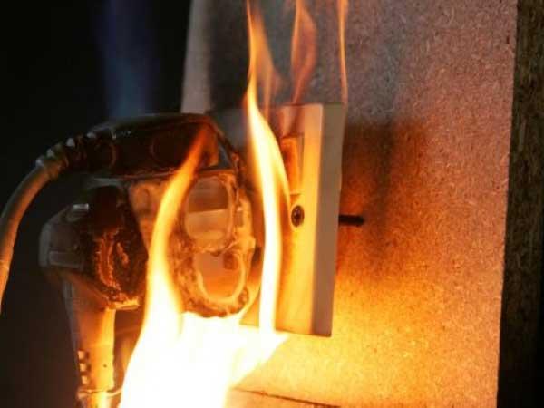 Tác dụng của bình chữa cháy khi hỏa hoạn thumbnail