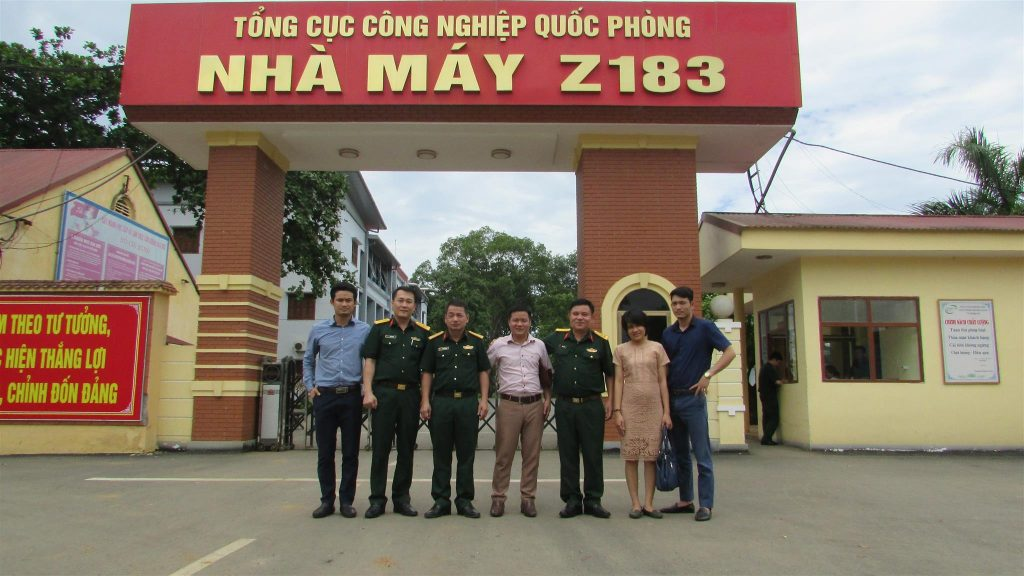 Ban quản trị công ty BAT Việt Nam và giám đốc nhà máy Z183