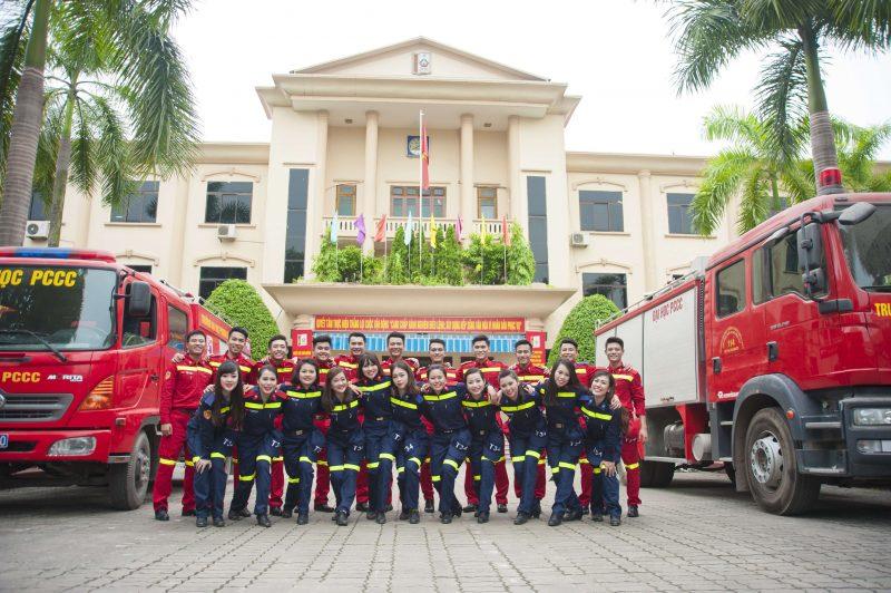 Dai Hoc Phong Chay Chua Chay 2