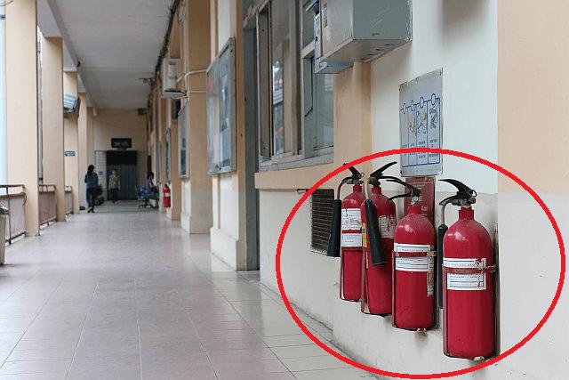 Bình cứu hỏa CO2 được trang bị ở trường học